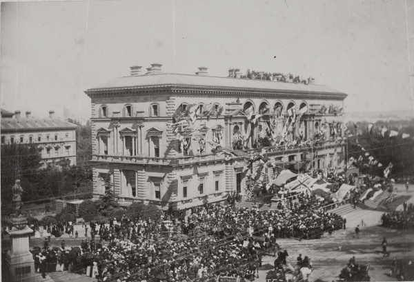 Celebrations marking the arrival of the Earl of Hopetoun at the Treasury Building East Melbourne. Image Source: State Library of Victoria