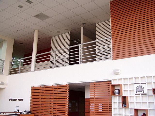 Vista del primer y segundo piso intervenido con diseño de treillage.