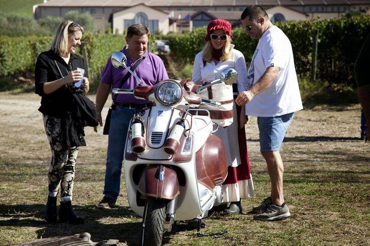 La #Vespa #Montiano rivestita in #Cuoio Ubriaco da Bottega Conticelli per #Falesco.