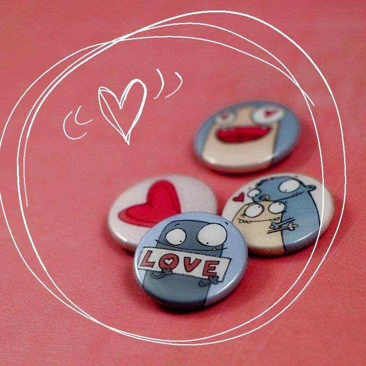 monster buttons http://www.hurt.scrap.com.pl/plakietki-ozdobne-flair-buttons-zakochane-potworki.html