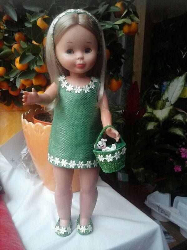 Vestido verde con margaritas