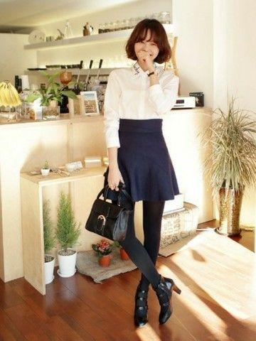 紺スカート×白ブラウス