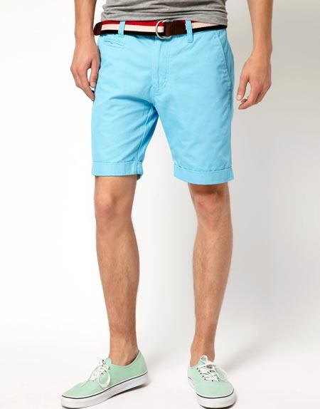 http://www.guystyleguide.com/2012/06/donning-shorts-for-summer/    Advice on shorts for summer. You CAN WEAR SHORTS. It's about fit, proportion and colour.