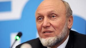 Hans-Werner Sinn erklärt 50 Jahre deutsche Wirtschaftspolitik http://www.focus.de/finanzen/videos/abschiedsvorlesung-im-video-hans-werner-sinn-erklaert-50-jahre-deutsche-wirtschaftspolitik_id_5162640.html