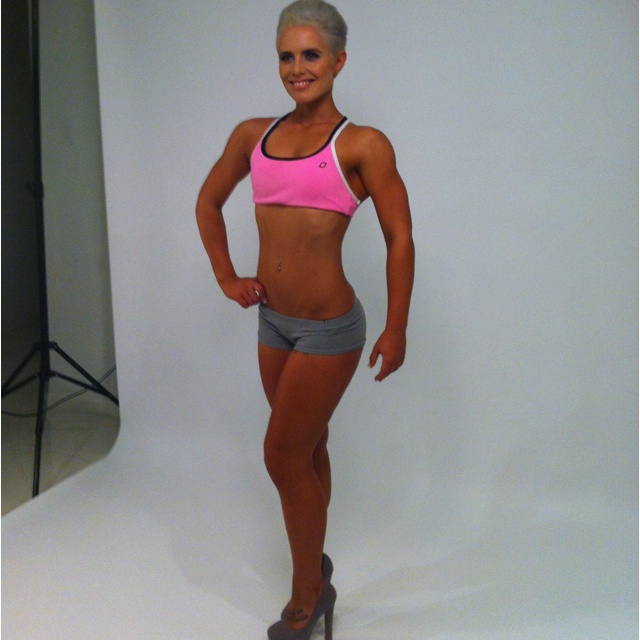 Fit Chic Nicole at her first shoot!!  Only 19 years old and training for her first competition. Check out those beautiful shoulders :-)  #motivation #nickyjankovic #getfitgetfabulous #teamfitchic