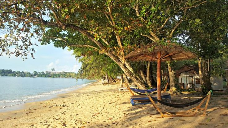 Bamboo Cottages Phu Quoc offers a great atmosphere and incredible food | lettucetakatrip.com