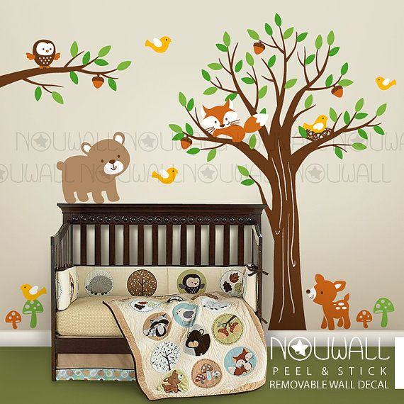 Baby boom jungle friends wall decor
