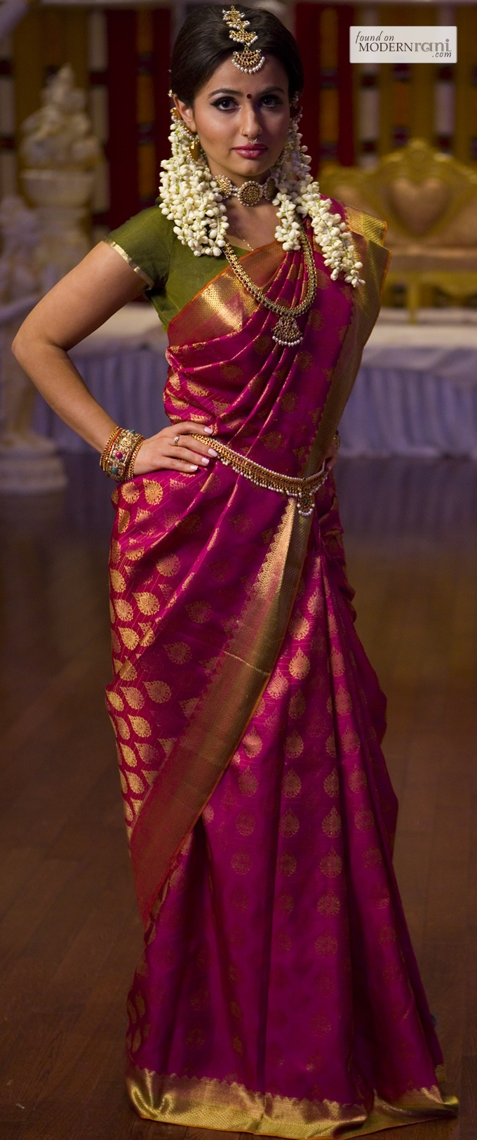 .Just look at the saree...