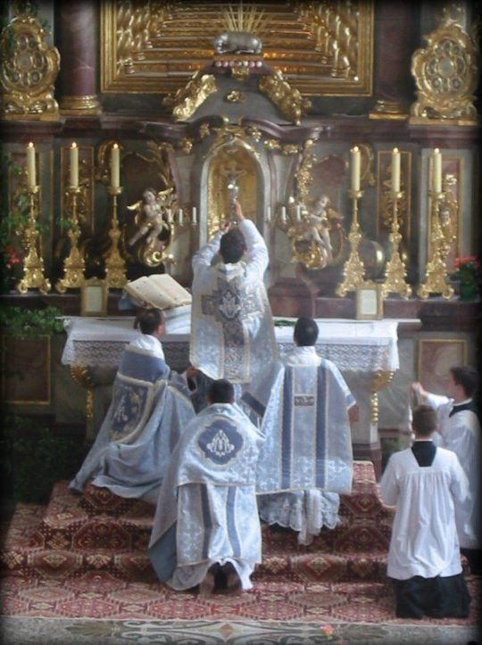 A beginners guide to the Latin Mass