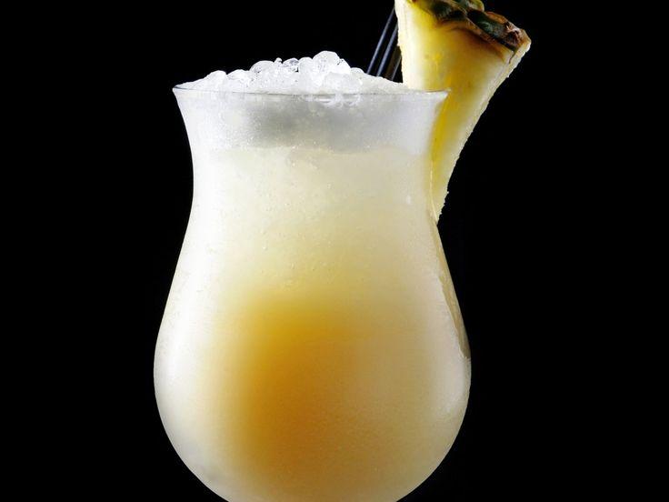 rhum, lait de coco, crème liquide, jus d'ananas, cannelle, sucre vanillé, citron
