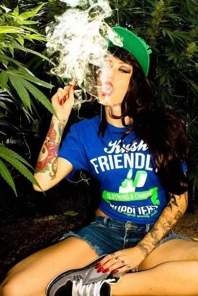 Dating a hot stoner girl