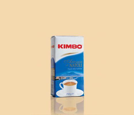 #Kimbo Aroma di #Napoli offre tutto il gusto tipico dell'antica tradizione napoletana del #caffè, famosa nel mondo. Un caffè unico, dal gusto avvolgente, dalla tostatura decisa e dal corpo pieno, per rendere speciale ogni momento della tua giornata. Disponibile anche su www.kimbo.it/shop.