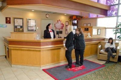 Front Desk at Canad Inns Garden City http://www.canadinns.com/stay/stay-main.php?entry_id=8567