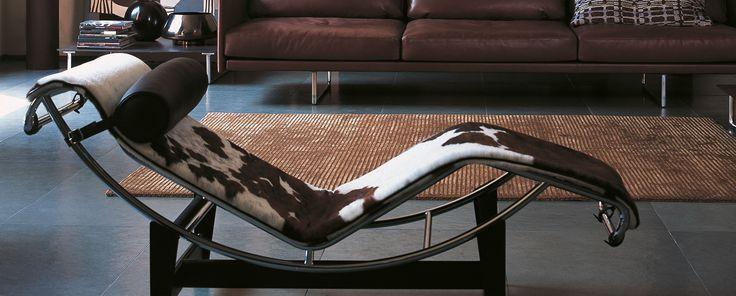 La chaise longue LC4, par le fabricant Cassina.