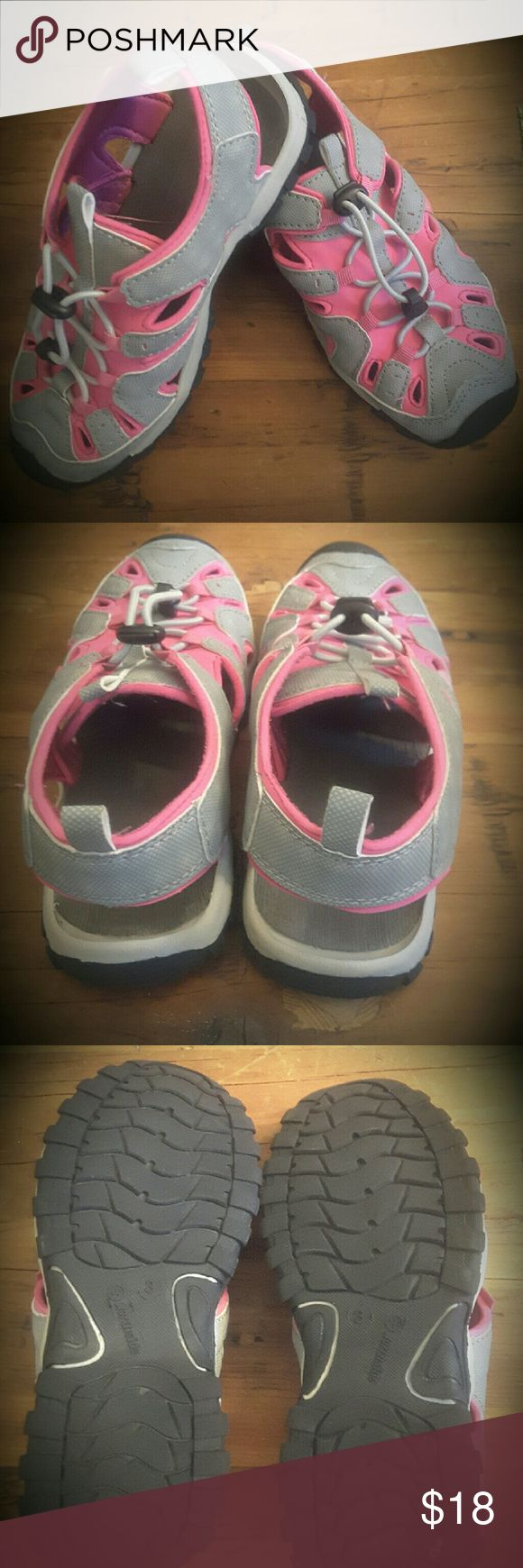 Northside water shoes Northside girls water shoes, size 3 ,Grey/pink ,great condition Northside does a Shoes Water Shoes