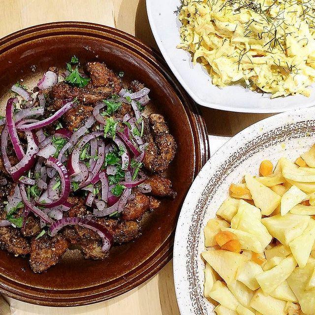 Kalbsleber mit Sumach, Sellerie mit Quitte, Möhren-Borani