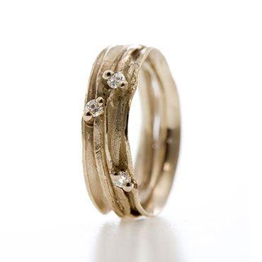 Fijne gouden ring met diamanten