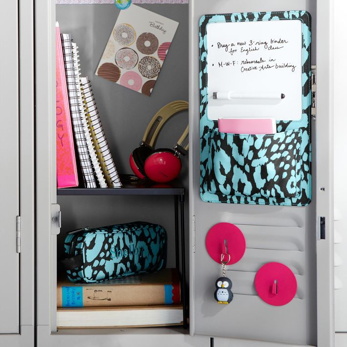 great way to keep it organized peep the locker divider locker stufflocker ideaslocker designslocker