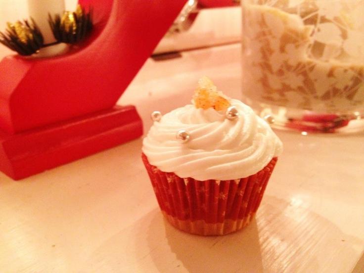 Mini-orange-clove-cupcakes