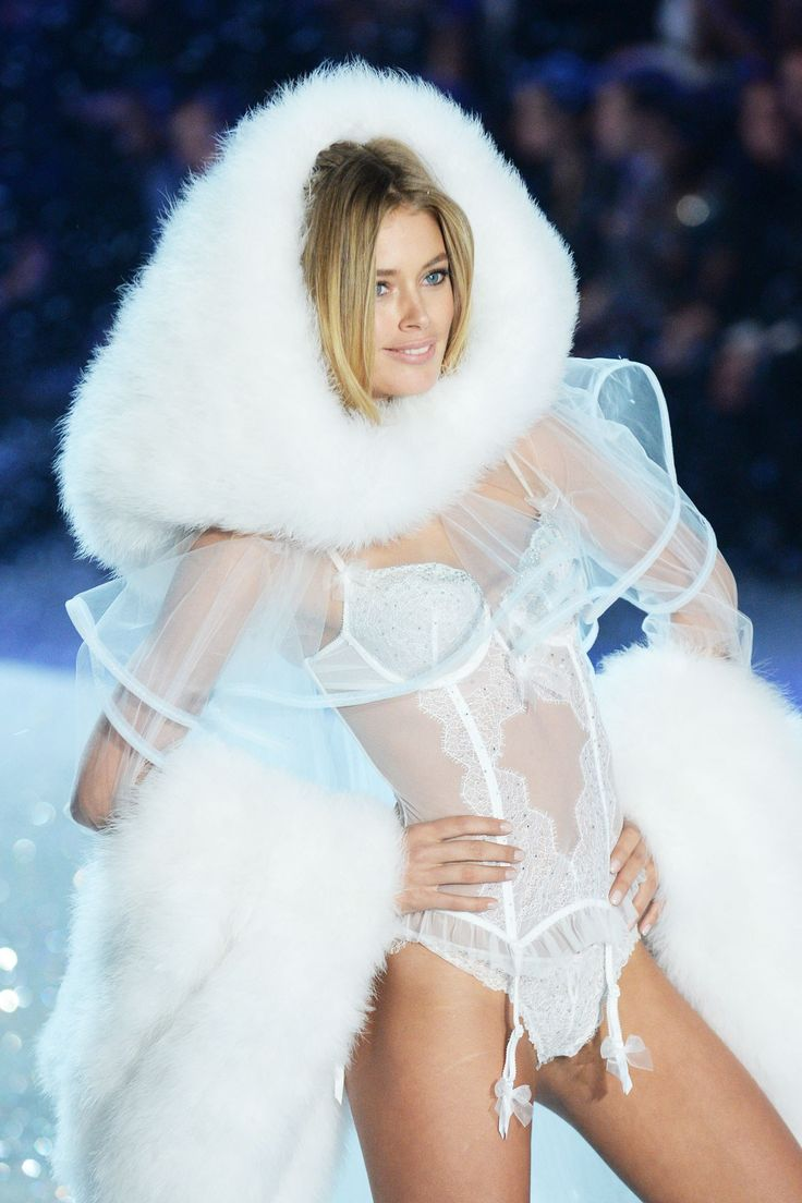Victoria s secret show snow angels picture outfits