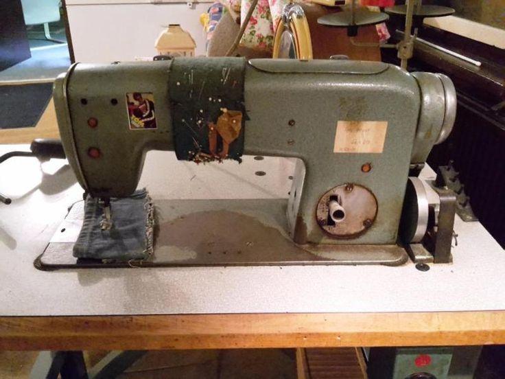 Ich biete hier diese Industrienähmaschine Modell Altin aus Altenburg BJ : 1970 mit Arbeitstisch und Motor an. Sie ist voll funktionsfähig.Selbstabholung