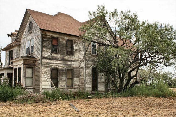 Old farmhouses bing images old white farmhouse for Vintage farmhouses