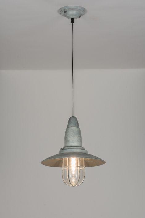 261 best images about hanglampen on pinterest deutsch industrial and tes - Metaal schorsing en glazen ...