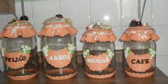 Kit laranja 4 Potes decorados para cozinha. personalização de cores, modelos, texto, e muito mais a sua escolha.  arroz, feijão, açúcar, café, , entre outros.  4 vidros com capacidade para 2,5 L e 1,3L  Entre em contato para mais informações    Imagem ilustrativa  Preço para 4 potes.