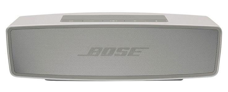 Bose SoundLink Mini II -kaiutin, 182 €. Pieni langaton bluetooth-kaiutin, jossa on muhkea ääni ja syvä basso. Painaa vain 0,68 kg. Akku kestää jopa 10 tuntia. Norm. 259 €.  1STORE, E-TASO