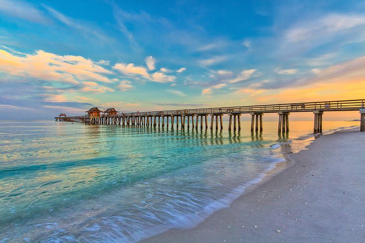Can never have enough pix of the #Naplespier in #NaplesFL This is one of my favorite pictures of our most photographed landmark! Want to look at homes near the pier? Call me! 239-370-0574