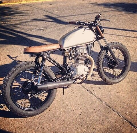 HONDA CG125 Brat Style #motorcycles #bratstyle #motos | caferacerpasion.com