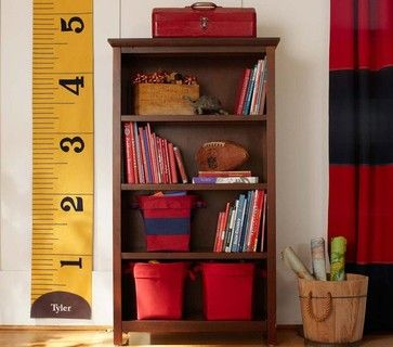 Measuring Tape Growth Chart - i so want to make one for Kadyn