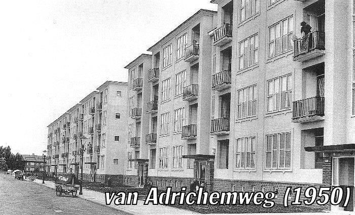 Van Adrichemweg Rotterdam (jaartal: 1950 tot 1960) In een latere periode woonden hier tante Wies en oom Herman met Astrid en Erwin. Vooral de balkonnetjes roepen herinneringen op.