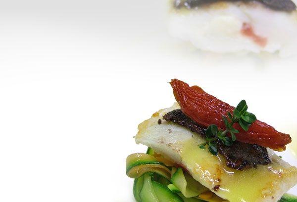 Rombo chiodato con mozzarella di bufala e crosta di olive nere e tagliatelle di verdure - ricetta inserita da Giuseppe Daddio