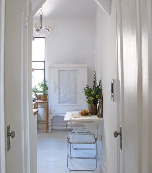 would be lovely for a cottage: Dining Rooms, Decorating Ideas, Living Room, Dining Spaces, Small Spaces, Folding Chairs