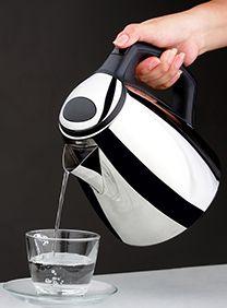 Czajnik bez kamienia, czysta kuchnia, jak odkamienić czajnik