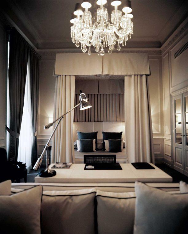 cozy, feutré, calme, enveloppant: Dreams Bedrooms, Colors, Interiors Design, Luxury Bedrooms, Master Bedrooms, Interiordesign, Canopies Beds, Neutral Bedrooms, Hotels