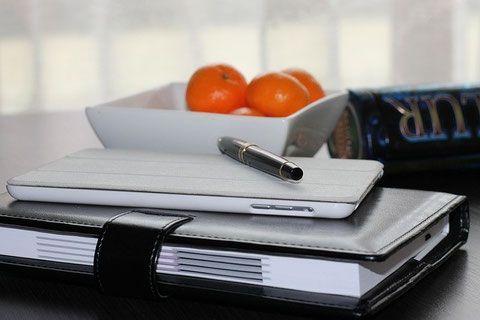 Consejos para mejorar tu nivel de organización personal, través de la definición de objetivos, establecimiento de metas, gestión eficaz del tiempo y hábitos positivos.