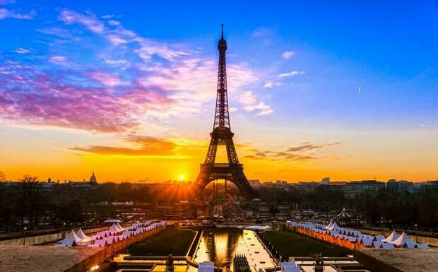 Effiel tower during sunset...looks awesome