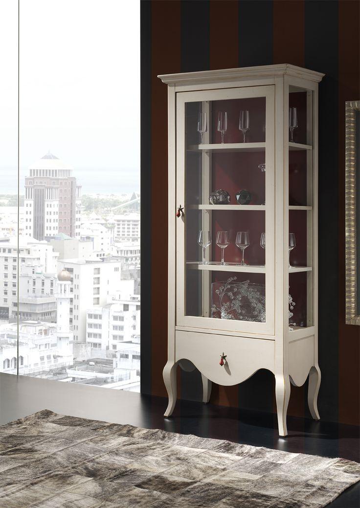 Mueble de estilo vintage, coleccion carlotta fabricado en cerezo y con acabados en lacas personalizados para cada cliente.