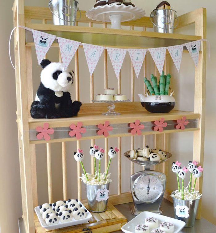Decoração com docinhos festa do panda para meninas