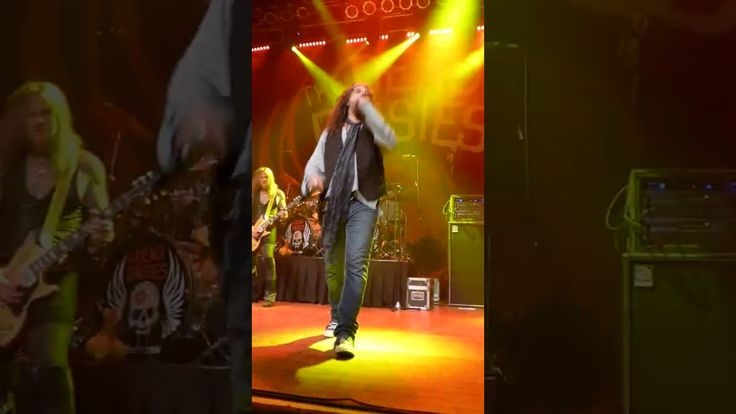 The Dead Daisies@Sandiego DEVIL OUT OF TIME https://www.youtube.com/watch?v=DGlvP6gGzKk