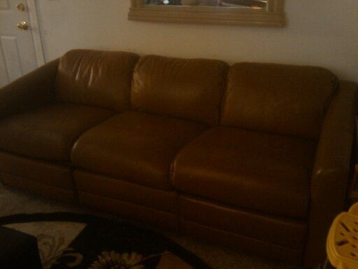 Free brown leather sofa glendora starting from for Vintage sectional sofa craigslist