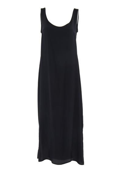 EcoDiva's long relaxed slip is a stylish,ankle-lengthpiecewith a softly flowing A-frame design. Round-necked and with comfortable broad shoulder straps,the