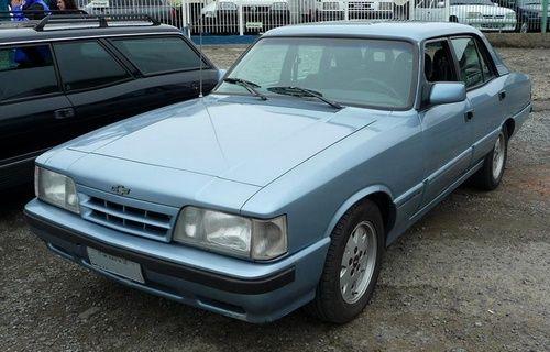 Opala Diplomata SE 1992 azul claro