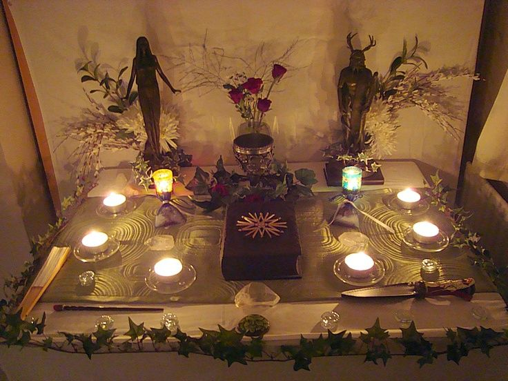 witches altars | OMG Beautiful Altar! | Wiccan: Altars