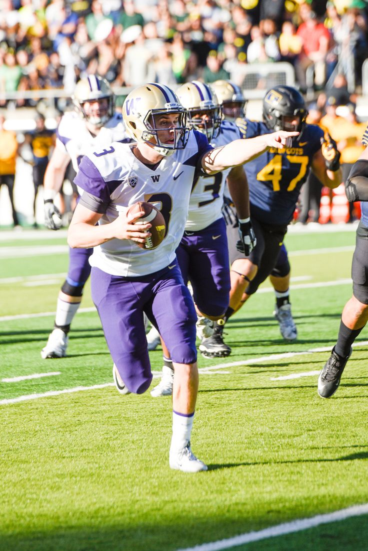 Jake Browning leads No.5 Washington to 70-21 rout of Oregon