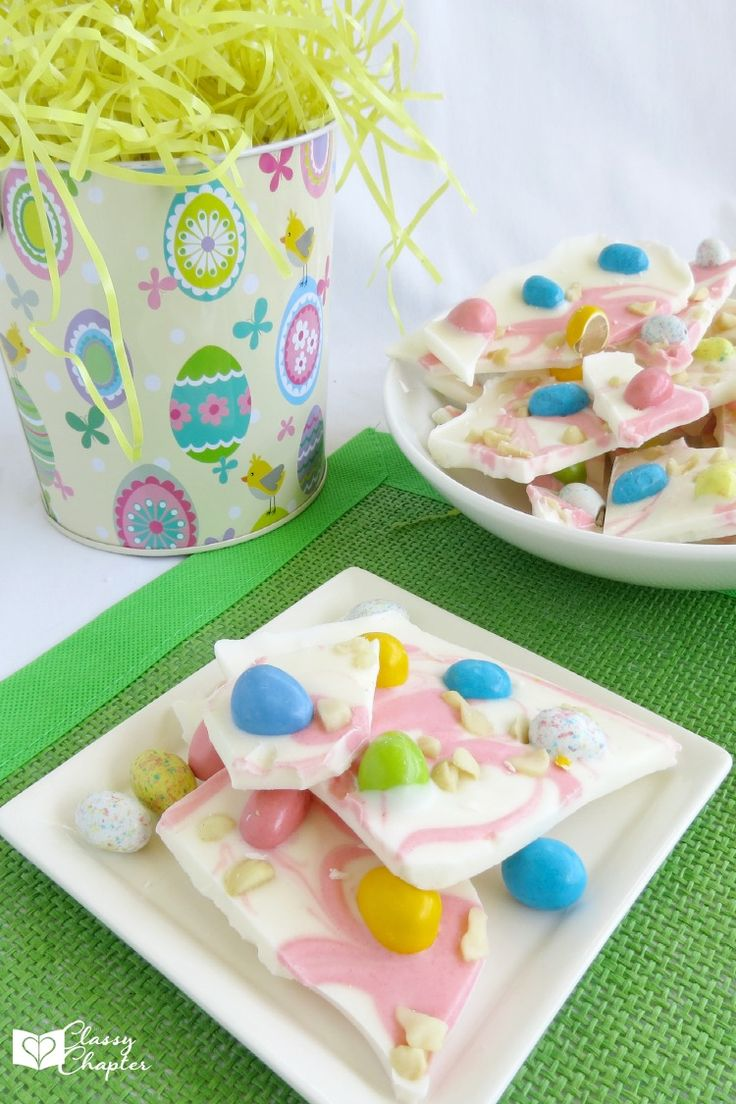 Need an easy Easter dessert recipe? This Easter bark recipe is so pretty and taste so good!