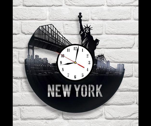 Clocks – New York vinyl record wall clock – a unique product by MaxRecords on DaWanda
