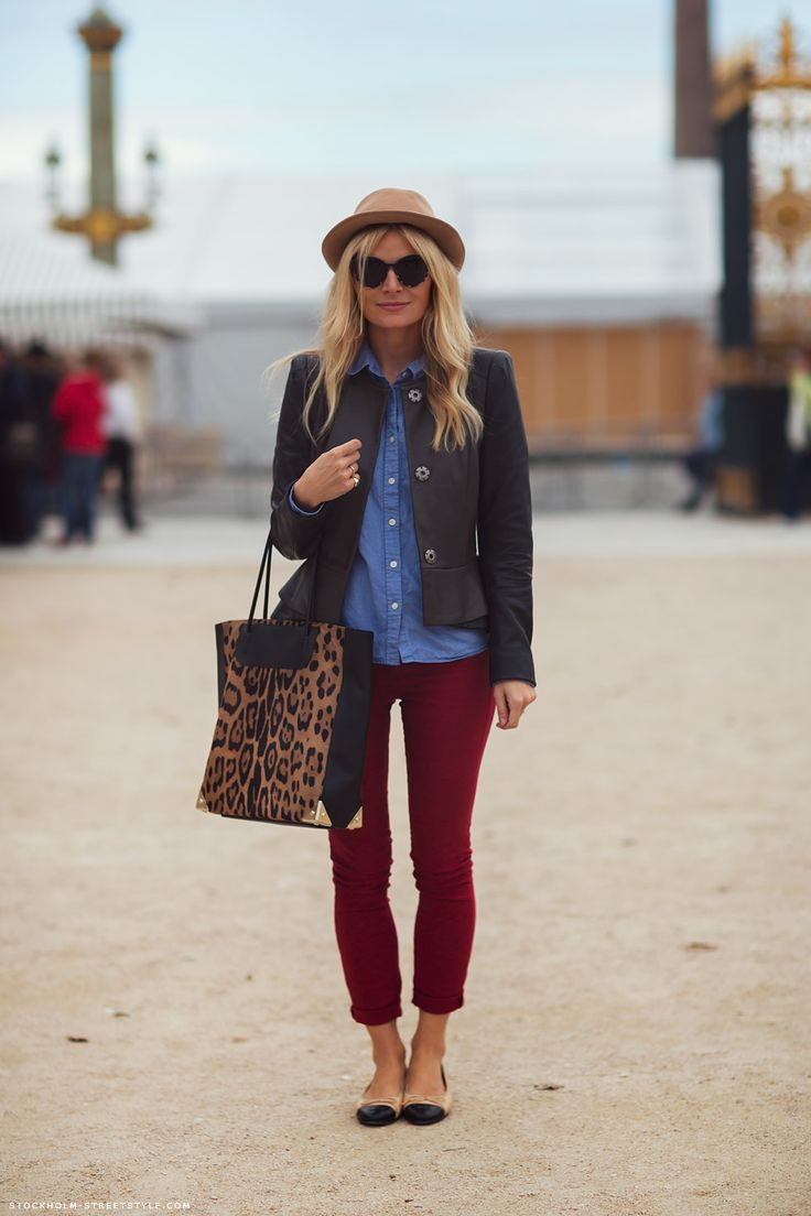 Roll up your skinny jeans—just above the ankle for an elevated look. Great way to showoff new shoes too!